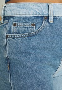 BDG Urban Outfitters - TWO TONE PAX - Relaxed fit jeans - summer blue - 6