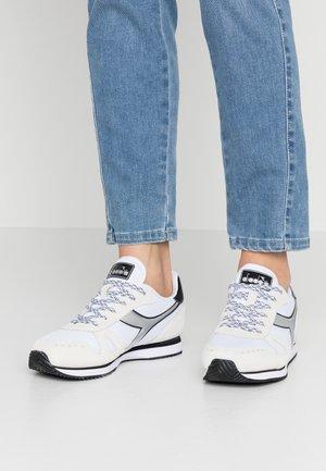 SIMPLE RUN  - Trainers - white/black