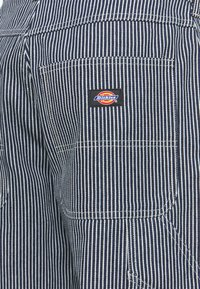 Dickies - GARYVILLE HICKORY - Jeans fuselé - hickory - 2