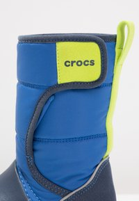 Crocs - LODGEPOINT BOOT RELAXED FIT - Boots - blue jean/navy - 5