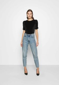 Dorothy Perkins - RUCHE SLEEVE TEE - Basic T-shirt - black - 1