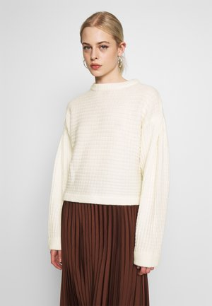 STRUCTURED VOLUME KNIT - Trui - white