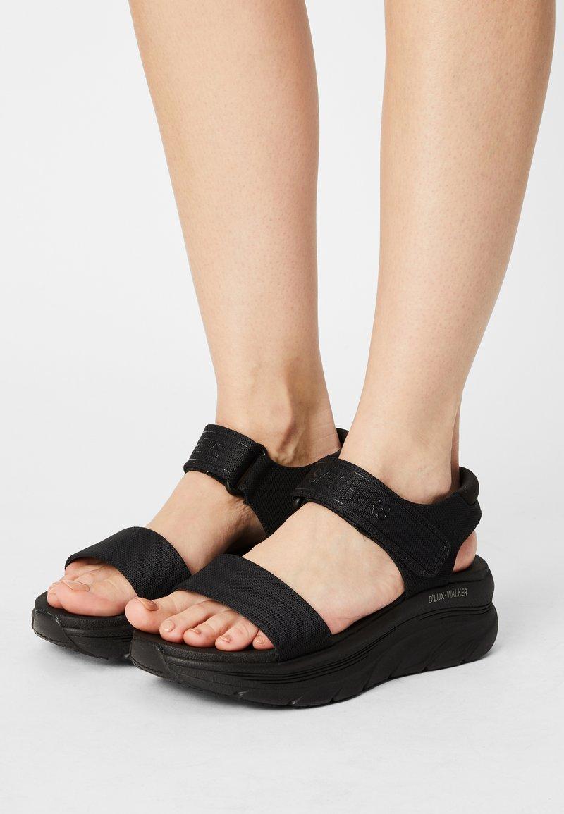 Skechers Sport - D'LUX WALKER - Sandały na platformie - black