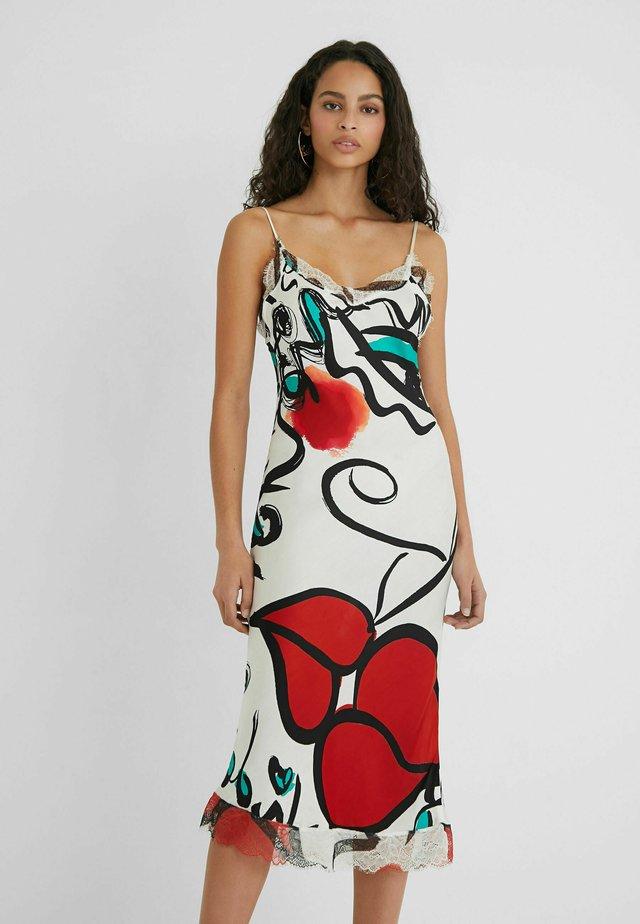 DESIGNED BY ESTEBAN CORTAZAR - Pouzdrové šaty - white