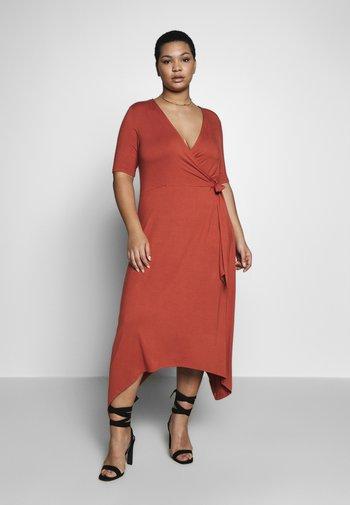 CARDRY LIFE WRAP DRESS - Maxi dress - hot sauce