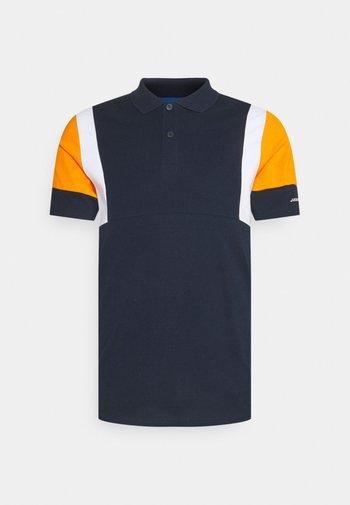 Polo - navy blazer