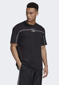 adidas Originals - R.Y.V. T-SHIRT - T-shirts med print - black - 2