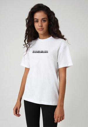 S-BOX  - T-shirt con stampa - bright white