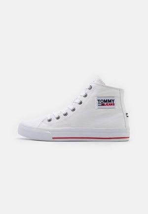 MIDCUT - Sneakers hoog - white