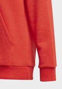 adidas Performance - ADIDAS ESSENTIALS HOODIE - Jersey con capucha - red - 3