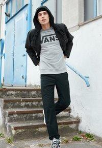Vans - CLASSIC CREW - Sweatshirt - cement heather-black - 3