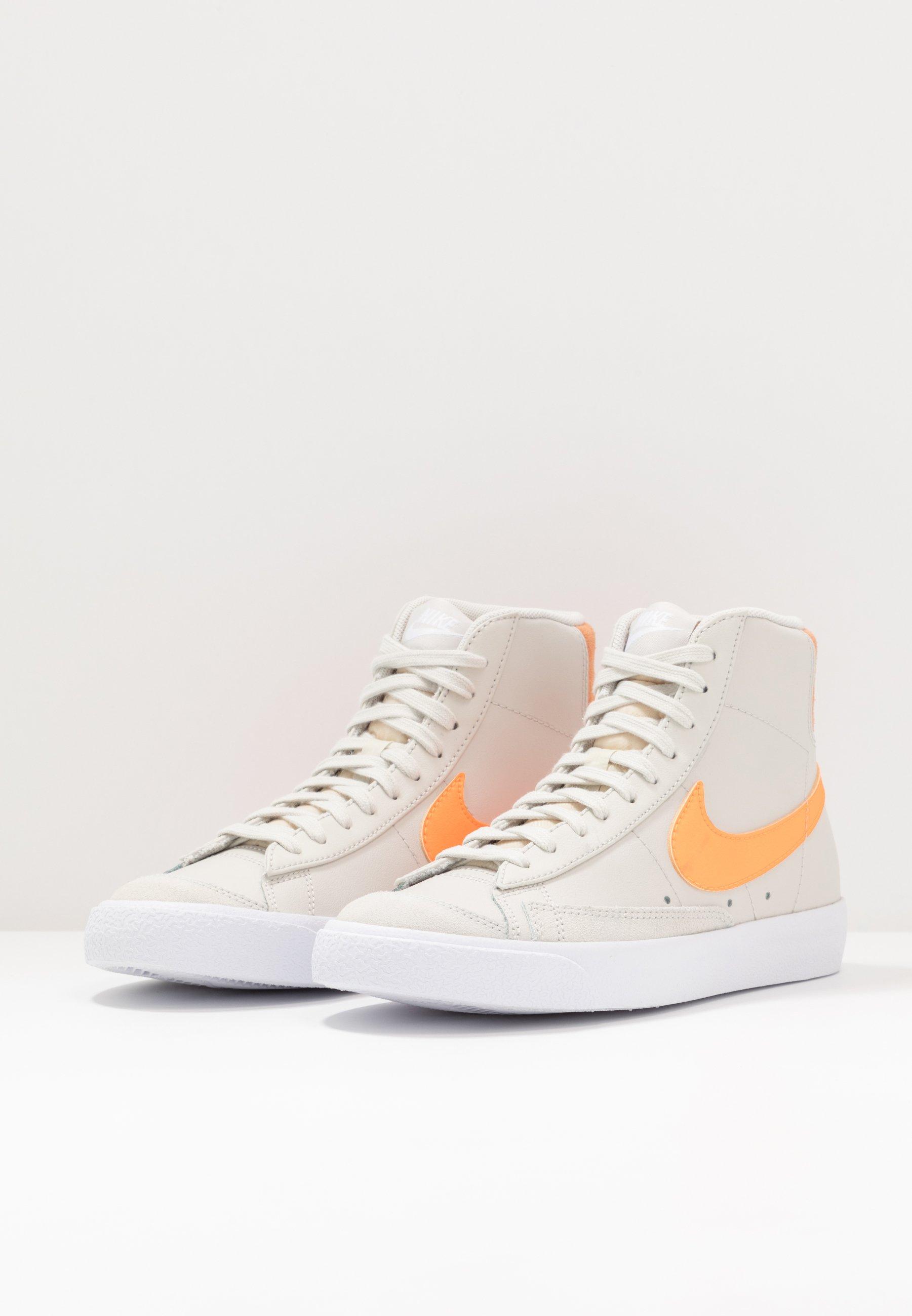 Nike Sportswear BLAZER - Baskets montantes - light bone/total ...