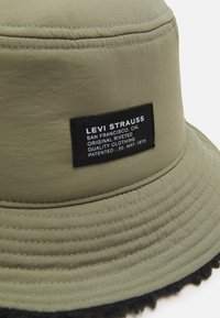 Levi's® - LINED BUCKET HAT UNISEX - Sombrero - olive - 3