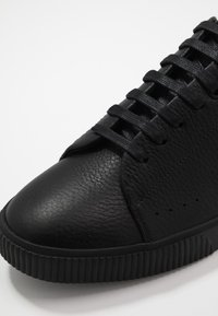 HUGO - Trainers - black - 5