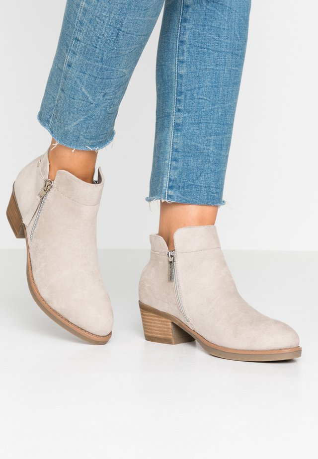 Ankle boots - ice