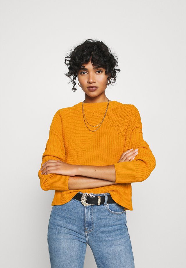 NMDARYL O NECK - Jumper - inca gold