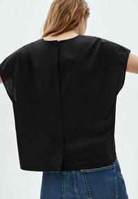 Massimo Dutti - Print T-shirt - black - 1