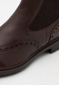 Geox - BRENSON - Kotníkové boty - dark brown - 5
