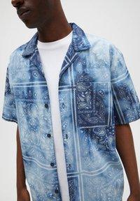 PULL&BEAR - Camicia - blue - 4