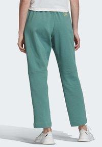 adidas Originals - PREMIUM JOGGERS - Joggebukse - turquoise - 1