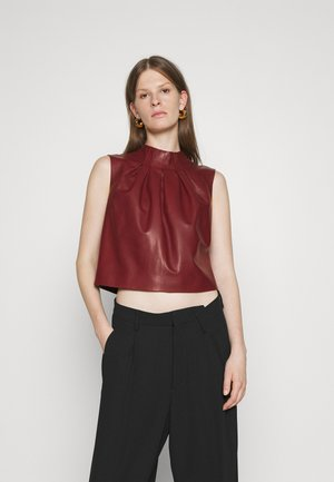 Top - heritage red