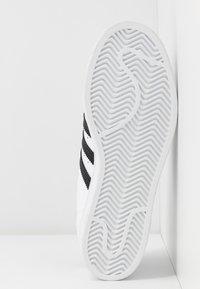 adidas Originals - SUPERSTAR  - Trainers - footwear white/core black - 4