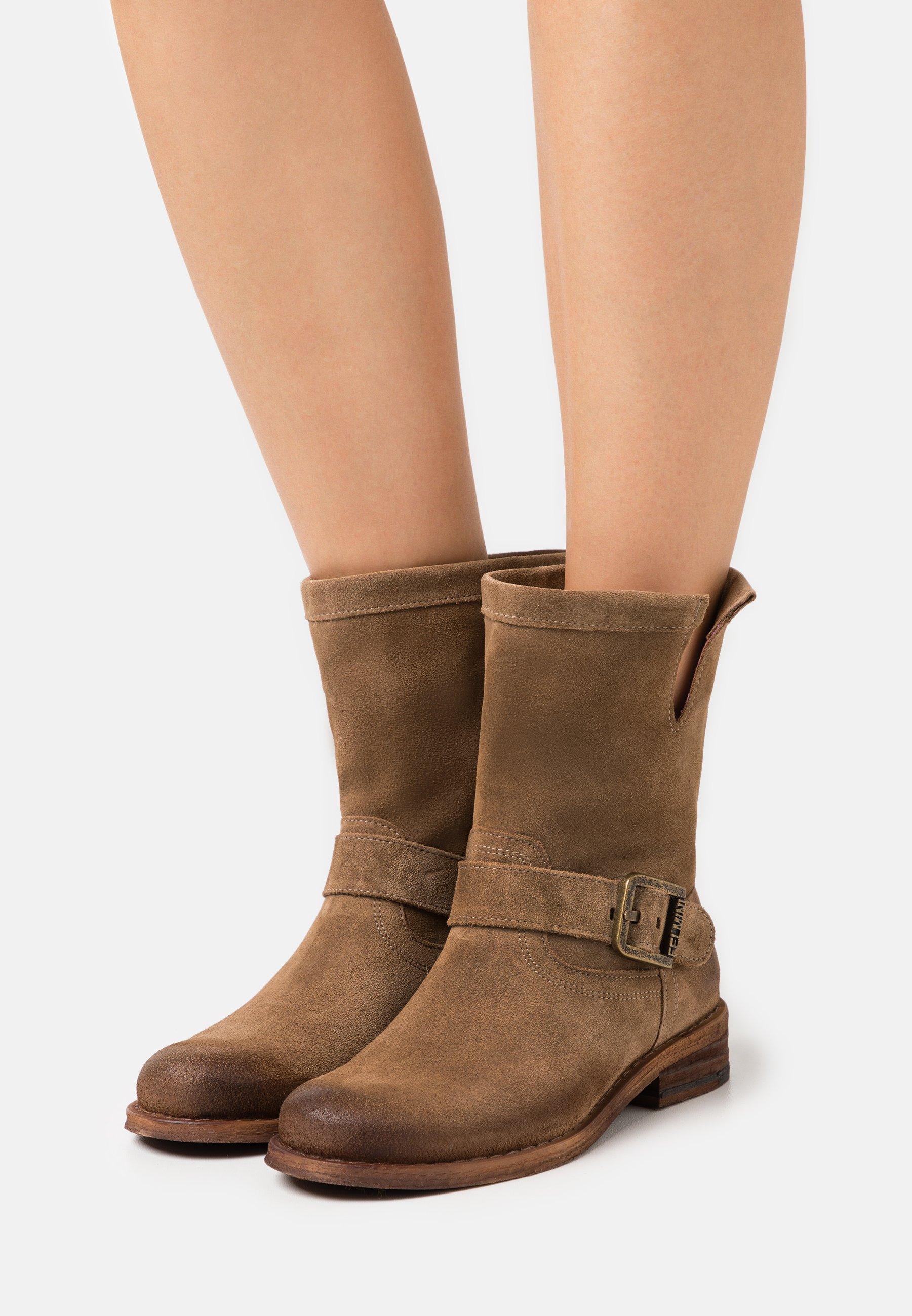 Women GREDO - Cowboy/biker ankle boot