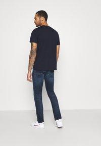 Tommy Jeans - SCANTON SLIM - Slim fit -farkut - dynamic chester blue - 2