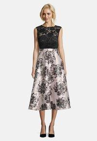 Vera Mont - MIT SPITZE - Cocktail dress / Party dress - black/cream - 0