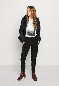 The North Face - WOMEN HIKESTELLER PANT - Outdoorové kalhoty - black - 1