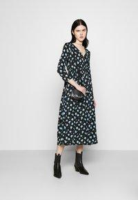 ONLY - ONLPELLA DRESS - Korte jurk - black/multi-colour - 1