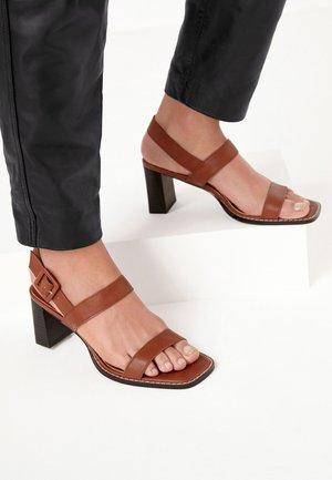 Sandales à talons hauts - tan