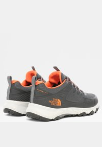 The North Face - M ULTRA FASTPACK IV FUTURELIGHT - Hiking shoes - zinc grey/persian orange - 3
