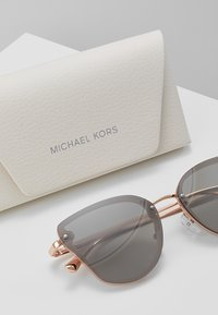 Michael Kors - SANIBEL - Sunglasses - milky pink - 3