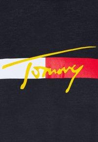 Tommy Hilfiger - Žerzejové šaty - desert sky - 6
