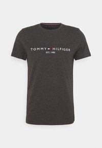 LOGO TEE - Print T-shirt - dark grey heather