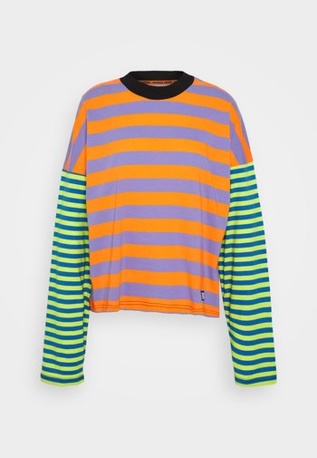 MIX STRIPE SKATER