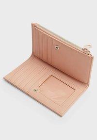 Stradivarius - Wallet - mottled light pink - 3