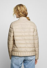 Cream - SOFIACR QUILTED JACKET - Light jacket - desert - 2