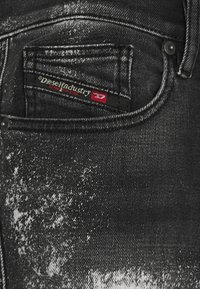 Diesel - D-AMNY-Y-SP4 - Slim fit jeans - washed black - 6