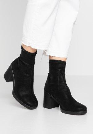 ARTICHOKE - Kotníková obuv na vysokém podpatku - black