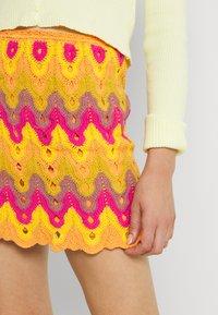 Free People - HEAT OF THE MOMENT CROCHE - Mini skirt - orange/pink - 3