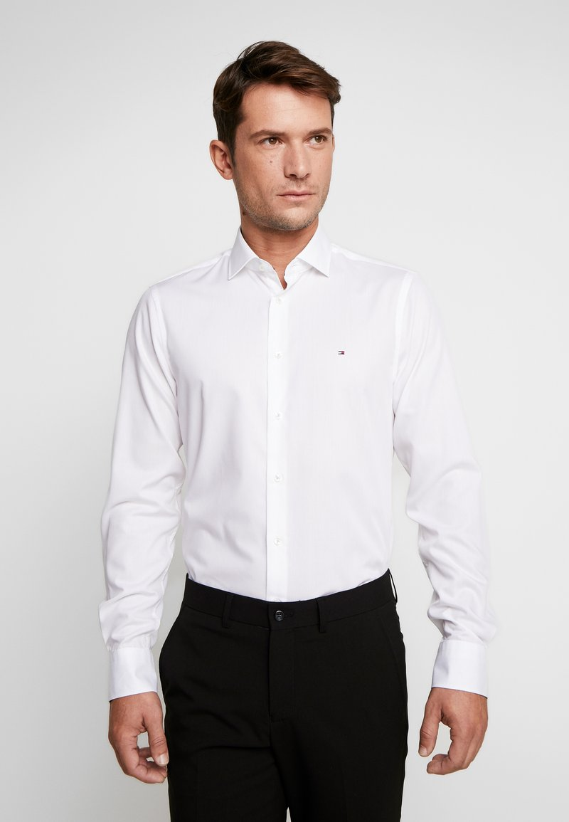 Tommy Hilfiger Tailored - POPLIN CLASSIC SLIM SHIRT - Formal shirt - white