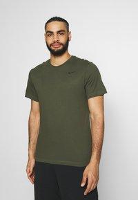 Nike Performance - DRY TEE CREW SOLID - Basic T-shirt - khaki - 0