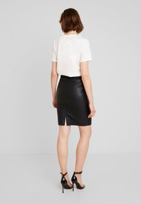 Vero Moda - VMSTORM PENCIL KNEE SKIRT - Kynähame - black - 2