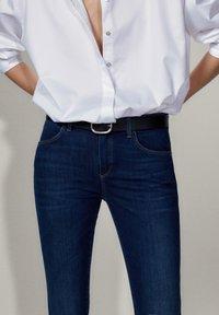 Massimo Dutti - MIT MITTELHOHEM BUND - Jeans Skinny Fit - blue - 6