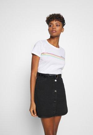 CHEST STRIPE CLASSIC TEE - Print T-shirt - white