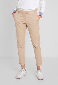 Cross Sportswear - STYLE - Chino - deep birch - 0