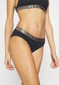 Calvin Klein Underwear - ICONIC - Alushousut - black - 0