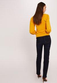Morgan - Sweatshirt - ochre - 2